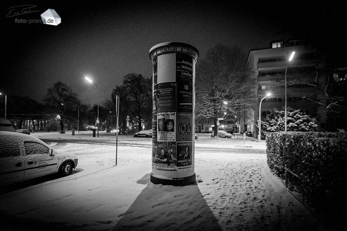 Silent Empty Winter Night - Litfaßsäule am St.-Martins-Platz (Foto: Eric Paul)